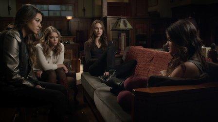 """Pretty Little Liars   Dialogue Transcript   S4:E21 - """"She's Come Undone"""""""