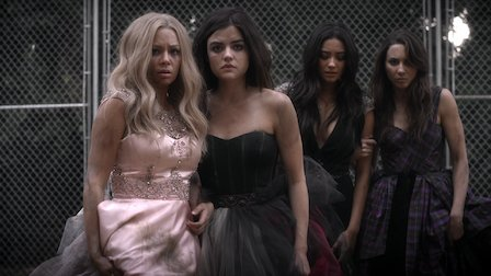 """Pretty Little Liars   Dialogue Transcript   S6:E01 - """"Game On, Charles"""""""